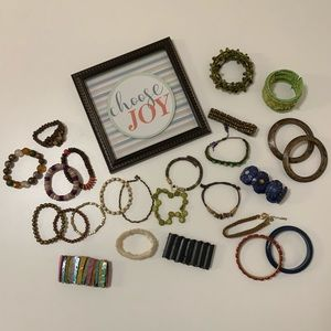 *HUGE* BOHO CHIC 25pc Beaded & Bangle Bracelet Lot